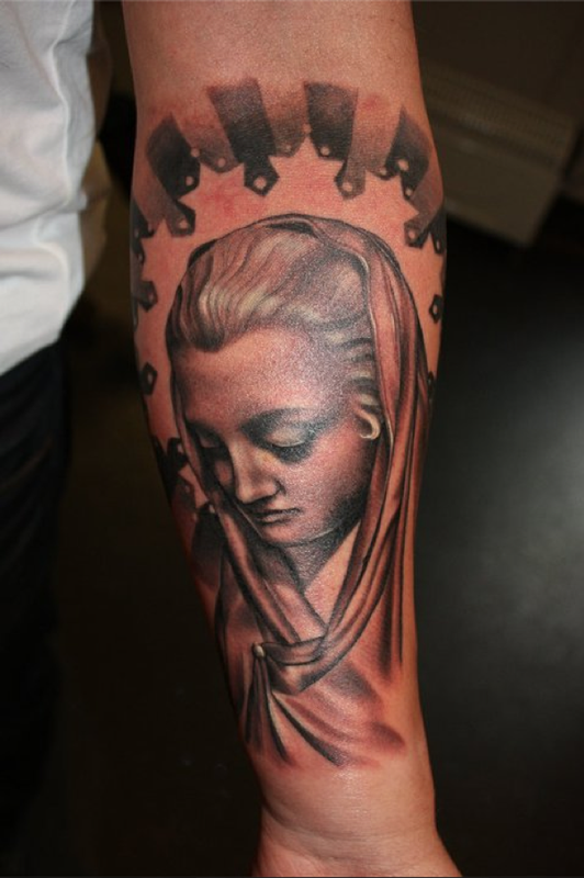 Section of ray 39 s arm mary by aurora lancaster tattoonow for Tattoo shops in aurora