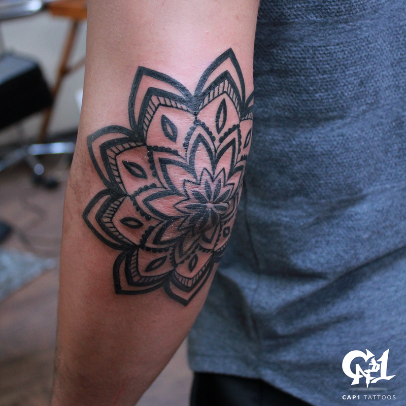 Mandala elbow tattoo by capone tattoonow for Tattoo on elbow