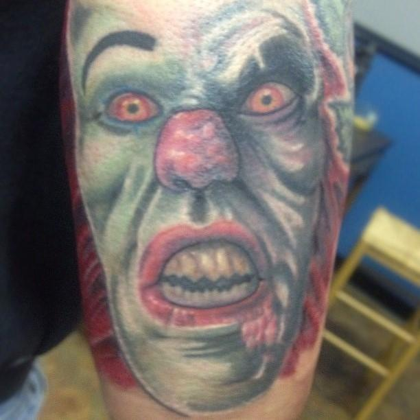 Pennywise by brian gallagher tattoonow for Living dead tattoo haverstraw ny