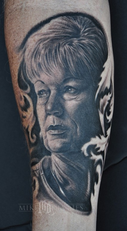 mike devries tattoos portrait portrait and filigree. Black Bedroom Furniture Sets. Home Design Ideas