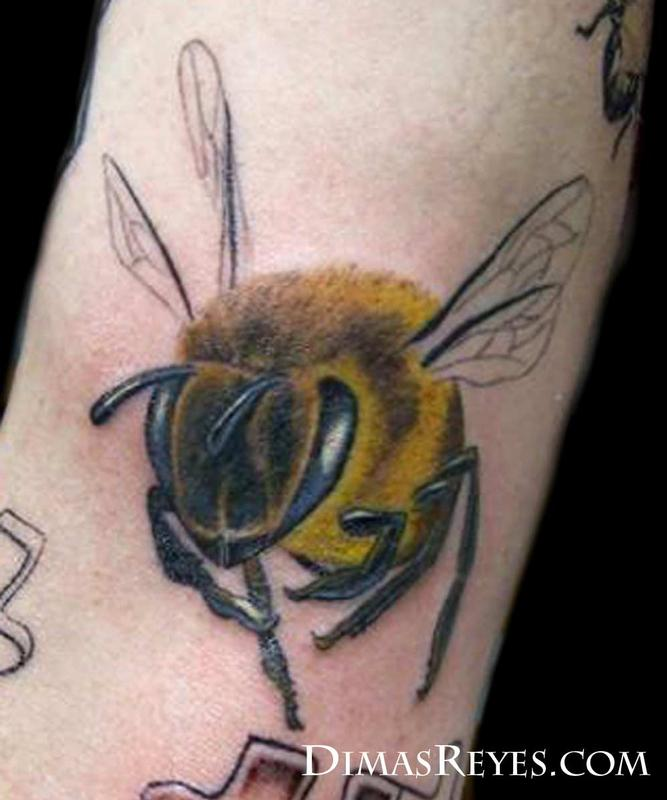 Full Color Bee Tattoo By Dimas Reyes : Tattoos