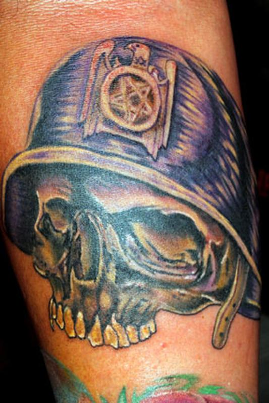 skull with helmet and slayer eagle tattoo by aran campas tattoonow. Black Bedroom Furniture Sets. Home Design Ideas