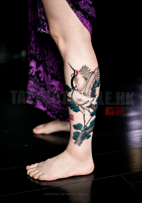 Single red crown by joey pang tattoonow for Tattoo hong kong