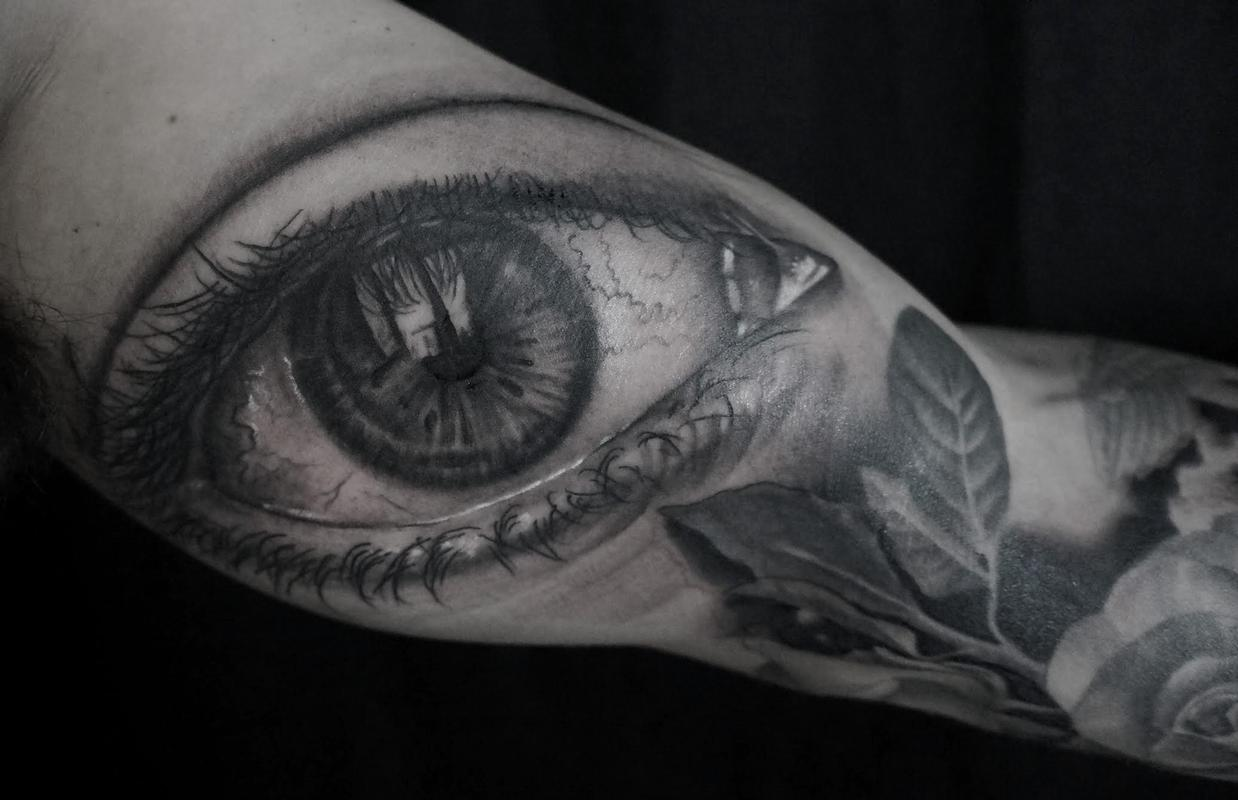 Paradise tattoo gathering tattoos black and gray for Black and grey tattoo artists near me