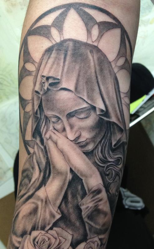 virgin mary by larry digiusto tattoonow. Black Bedroom Furniture Sets. Home Design Ideas